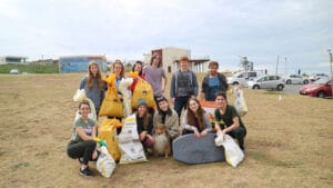 Earth Guardians Newy beach clean up